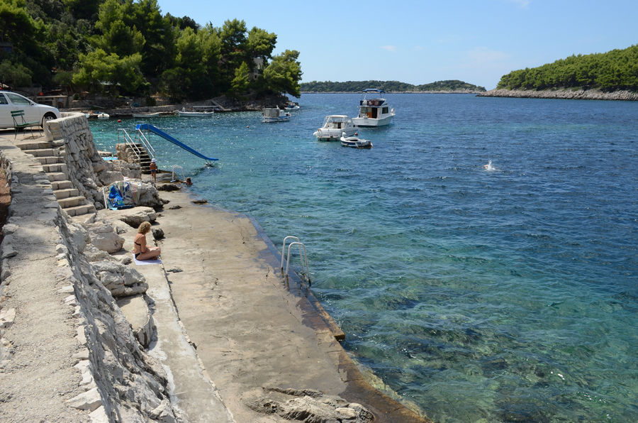 Grscica-public-Beach-Rent-a-boat