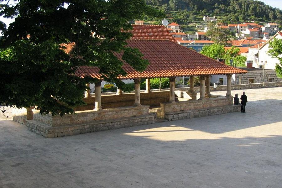 Blato---Piazza del mercato vecchio