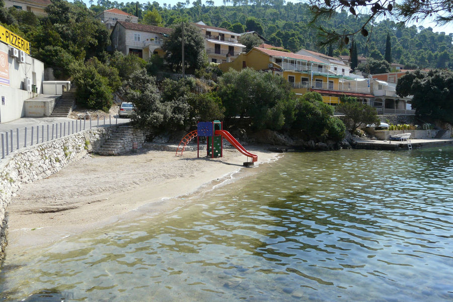 brna-public-beach