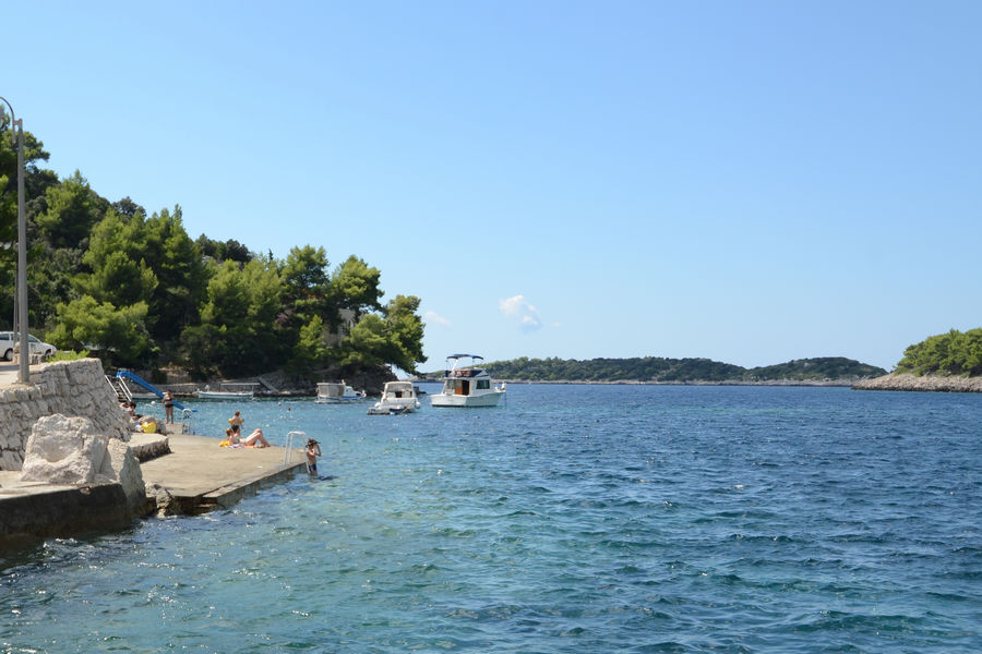korcula-apartments-prizba-milostic-beach-03