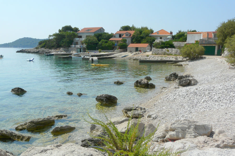 korcula-apartments-prizba-vinko-beach-01