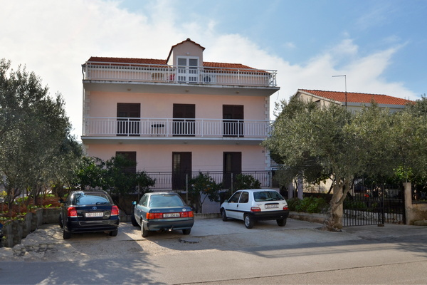 korcula-apartments-salecic-house-01