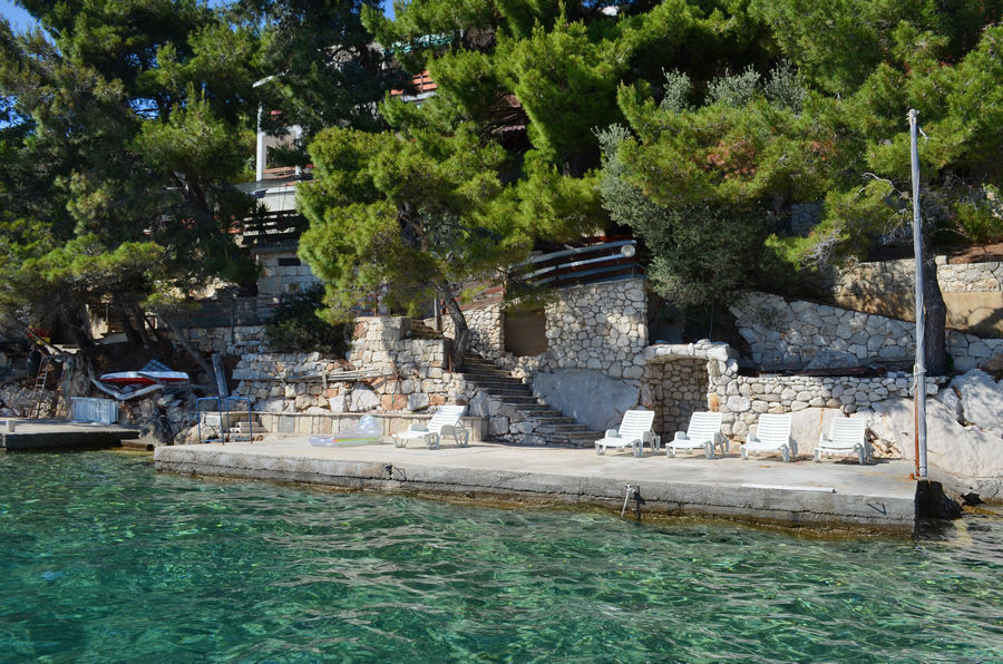 korcula-karbuni-apartments-prijam-house-04