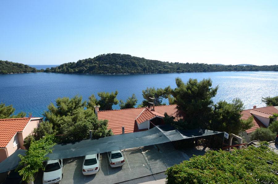 korcula-karbuni-apartments-prijam-house-08