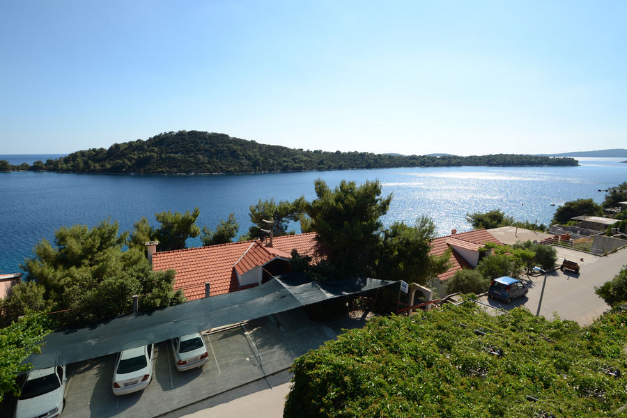 korcula-karbuni-apartments-prijam-house-09