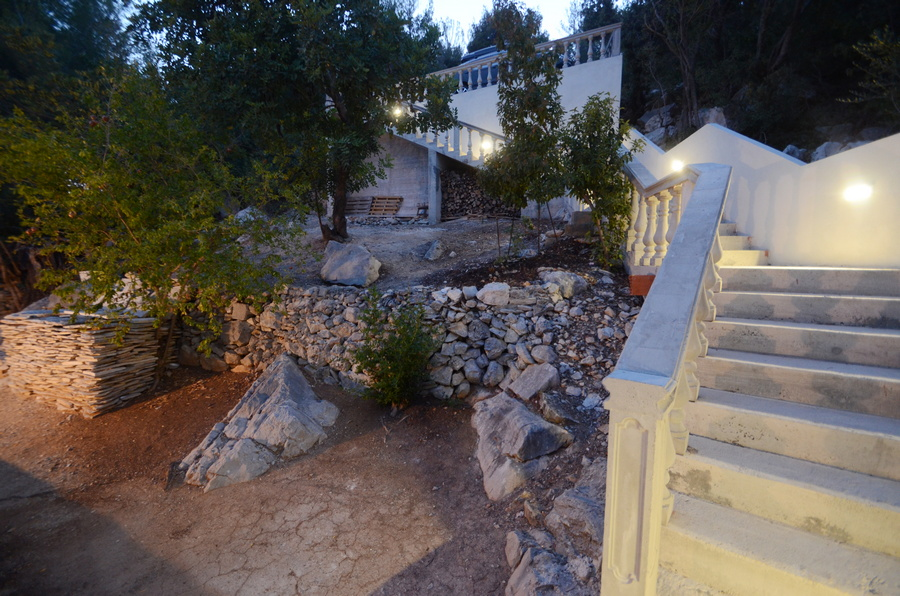 korcula-milostic-house-night-02