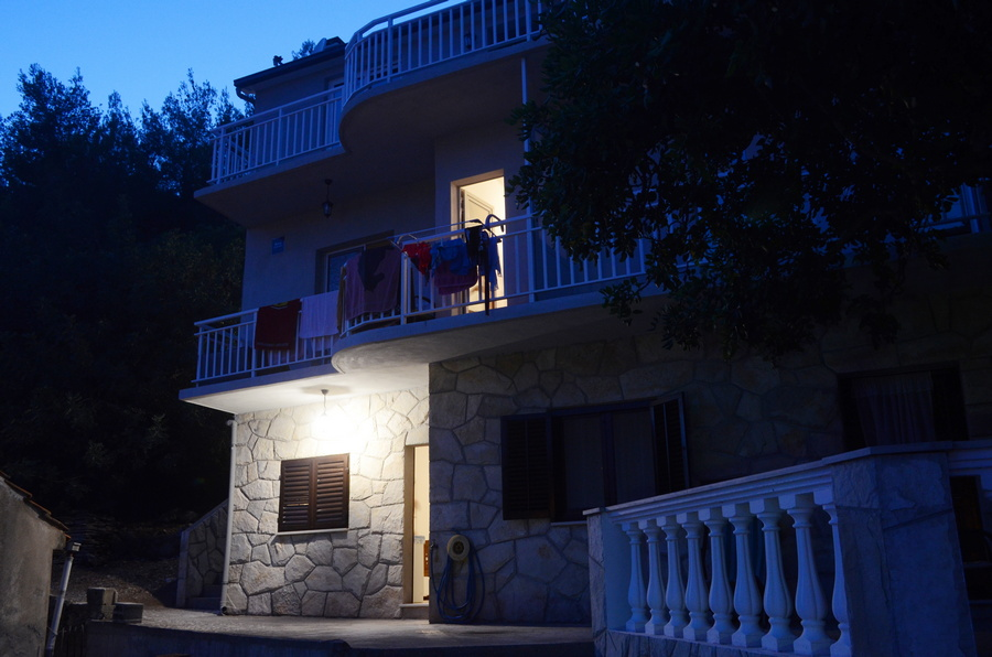 korcula-milostic-house-night-04