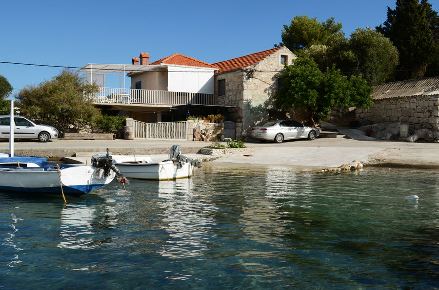 korcula-prizba-apartment-grbin-house-01