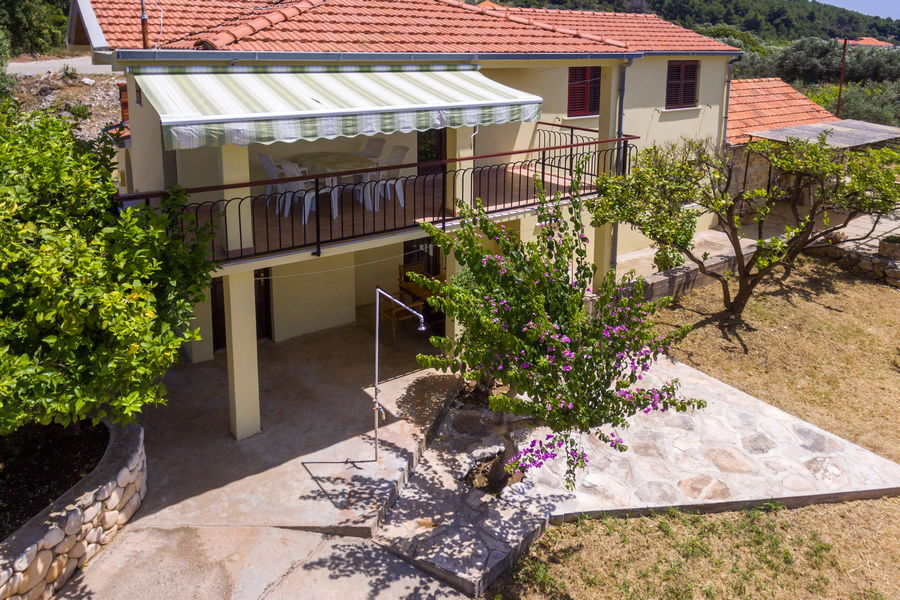 Korcula-Prizba-Apartments-Andreis-House-from-Air-07-2019-pic-02