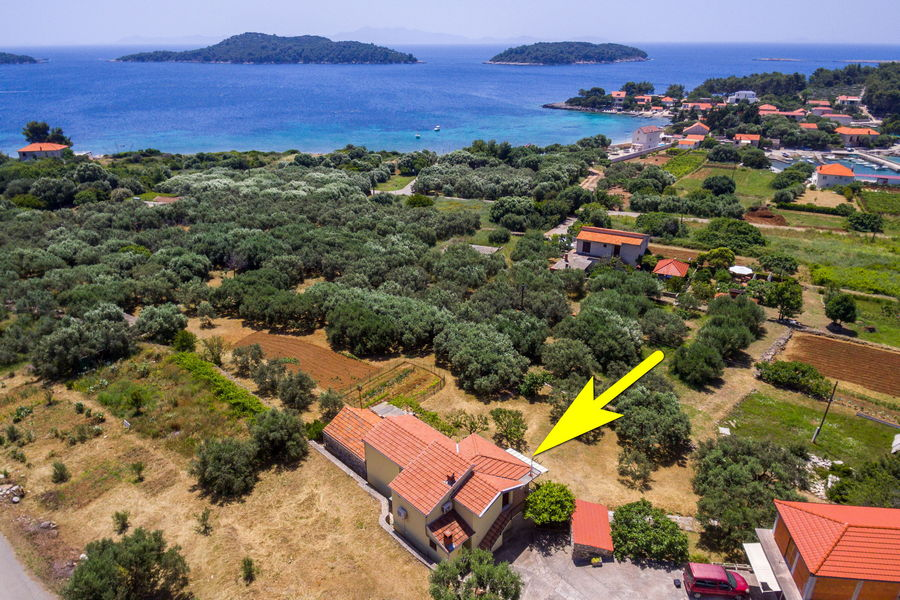 Korcula-Prizba-Apartments-Andreis-House-from-Air-07-2019-slika-04-tipke sa
