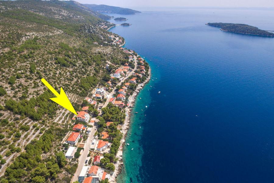korcula-prizba-apartments-jelica-from-air-11-arrow