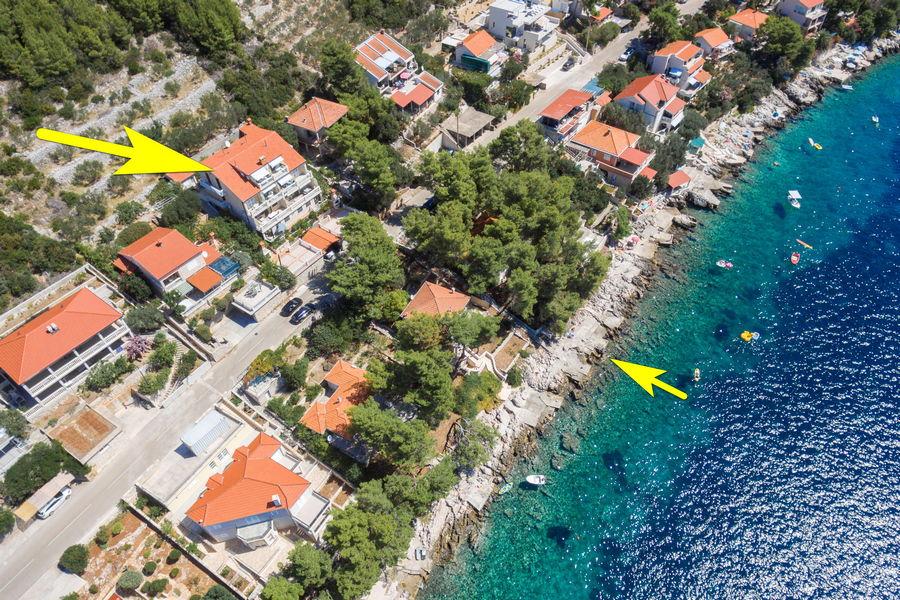 korcula-prizba-apartments-jelica-from-air-15-arrow-beach