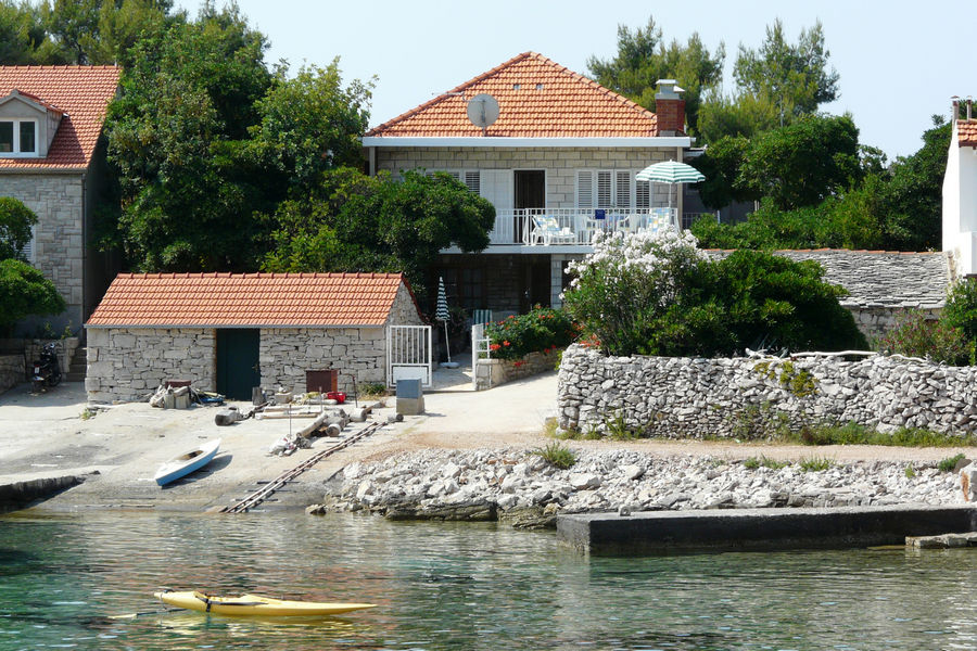 korcula-prizba-apartments-vinko-house-02