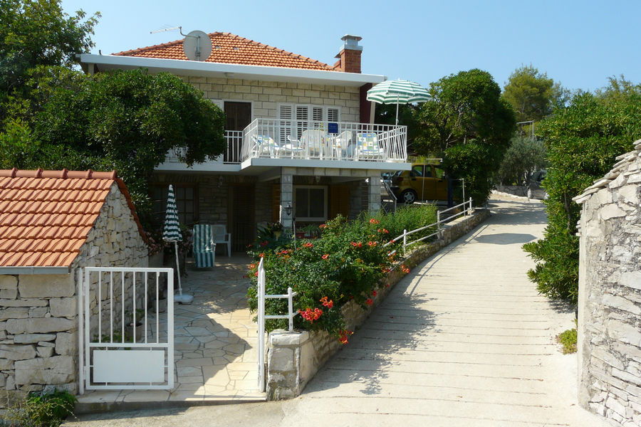 korcula-prizba-apartments-vinko-house-04