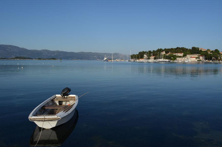 Lumbarda-bateau-amarrage