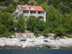 korcula-karbuni-apartments-linda-house-02