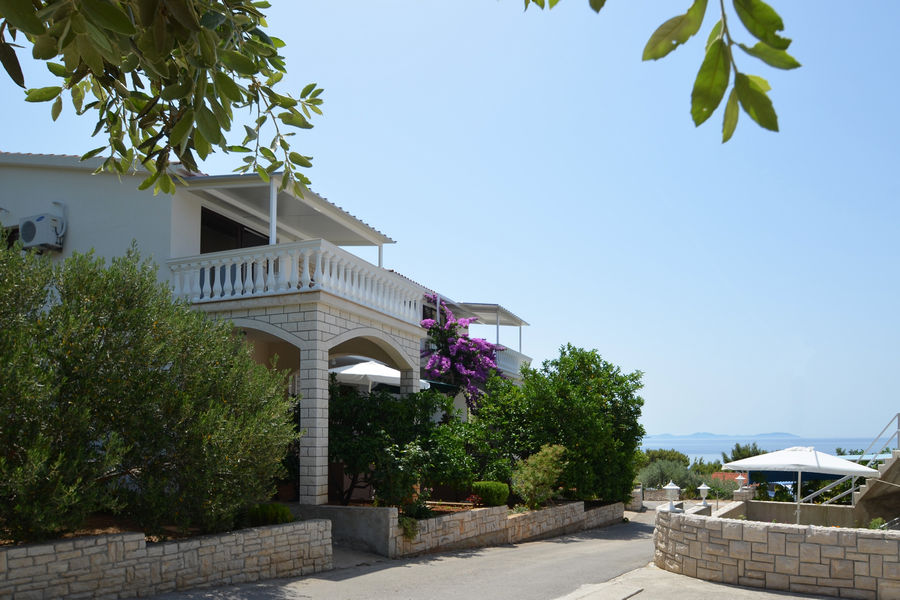korcula-prizba-apartments-franica-house-02