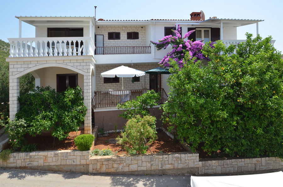 korcula-prizba-apartments-franica-house-07