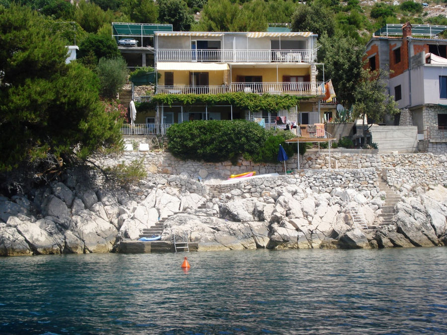 korcula-prizba-apartments-katija-house-01