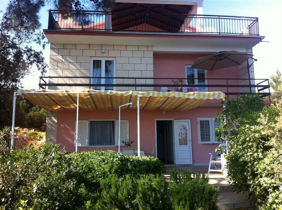 Korčula-prizba-apartmaji-kraljevic-hiša-01