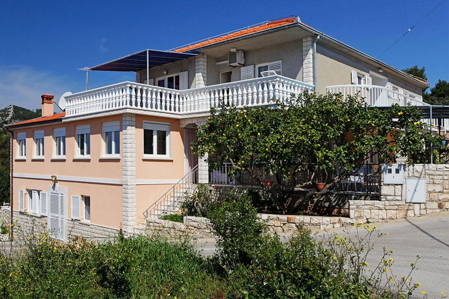 korcula-prizba-apartments-marijana-house-02