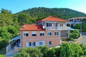 Korčula-prizba-apartmaji-Mariana-hiša-05-2019-pic-01