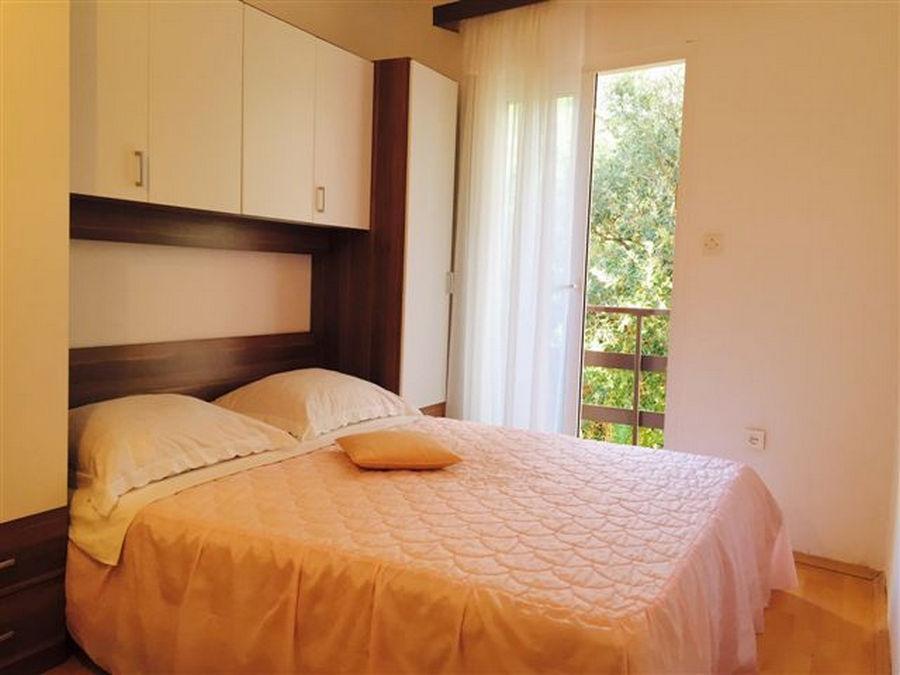 Kraljevic-apartment3-camera da letto-04