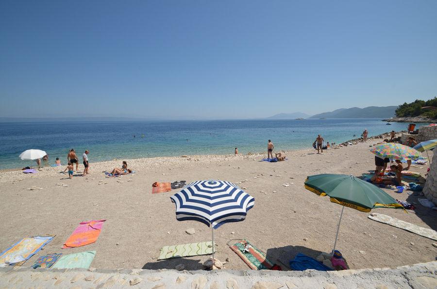 prigradica-public-pebble-beach