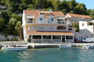 korcula-apartments-grscica-house-01