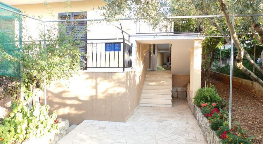 Korčula-apartmaji-ivaniana-hiša-02-2016-pic-02