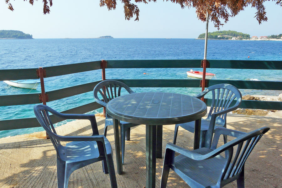 korcula-apartments-prizba-buran-beach-01