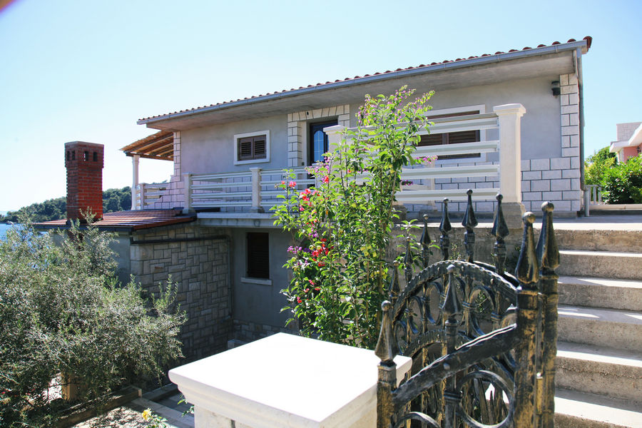 Korcula-Karbuni-Apartments-boskovic2-House-12