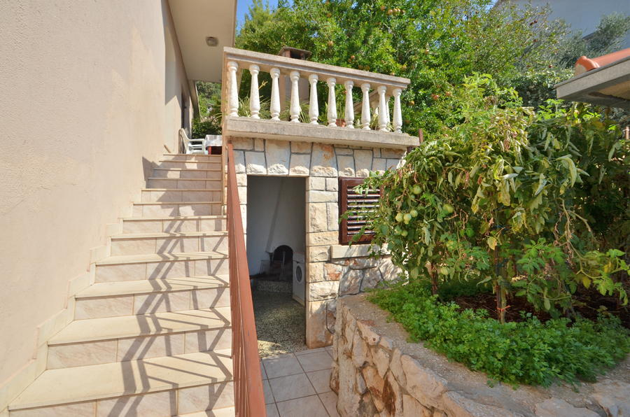 Korcula-Prizba-Apartments-Borovina-House-15