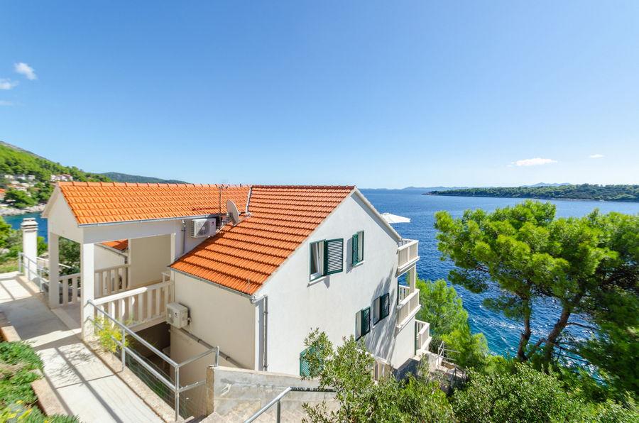 korcula-prizba-apartments-punta-house-10-2019-pic-01