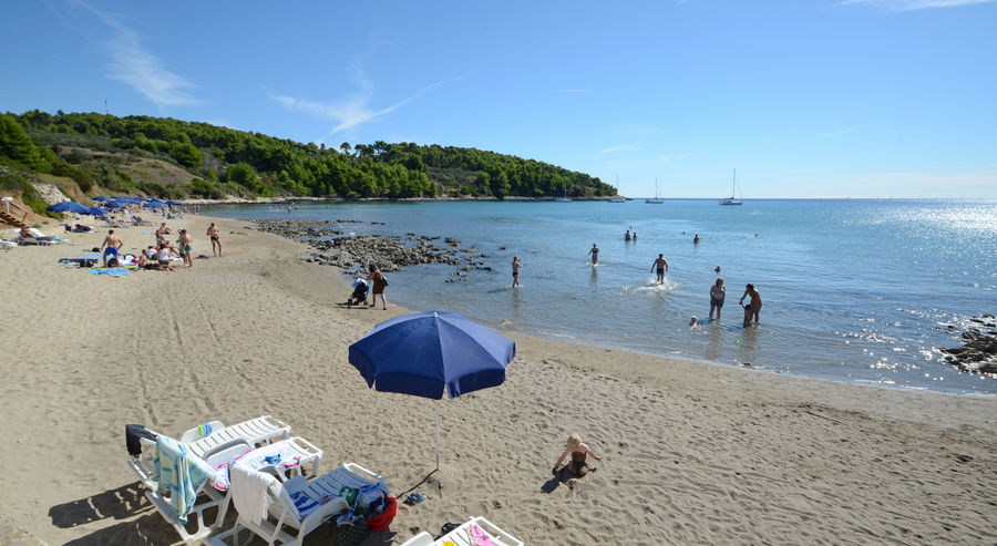Lumbarda-spiaggia-vicino-appartamenti-ivaniana-02-2016-pic-01
