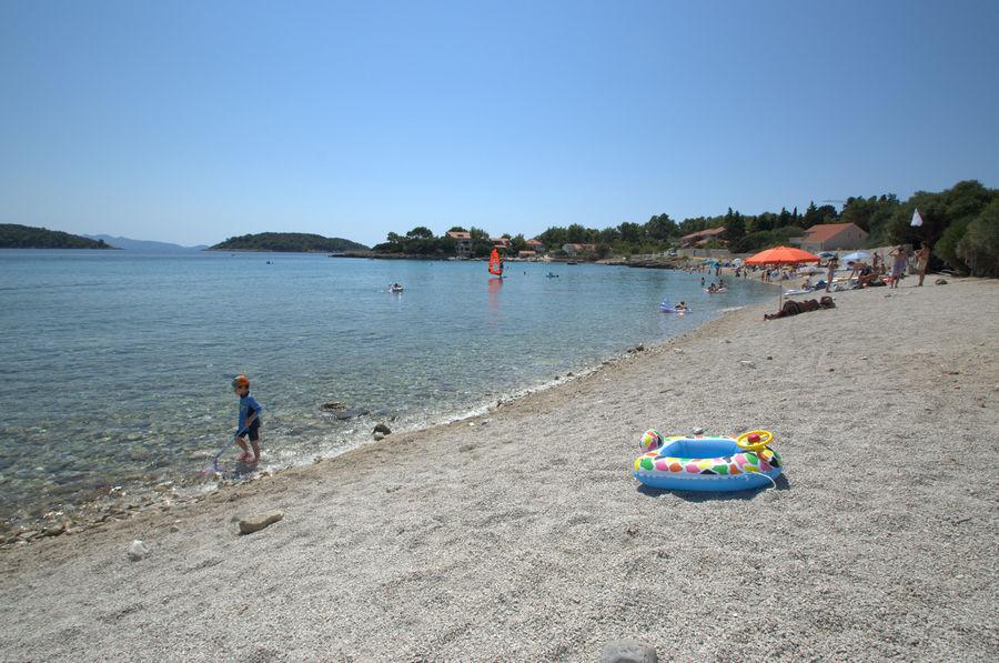 Korcula Ferienwohnungen Prizba Kresimir Strand-02