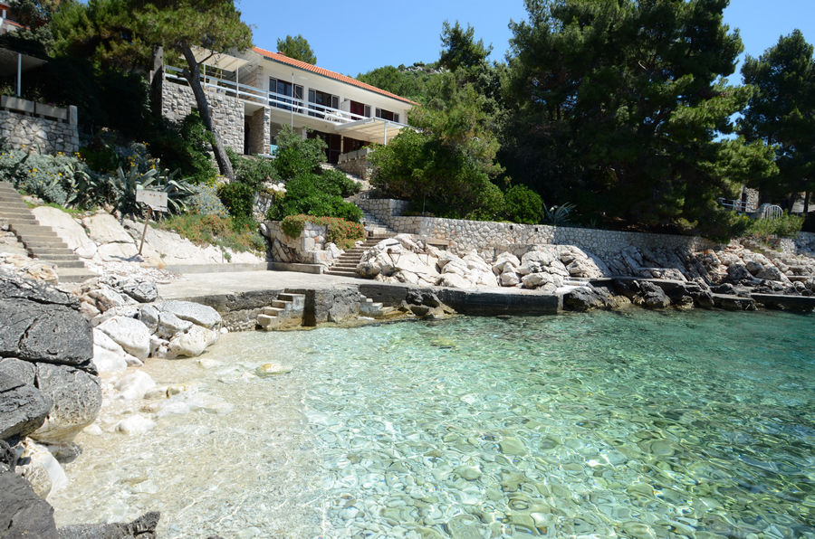korcula-apartments-prizba-lukric-beach-01