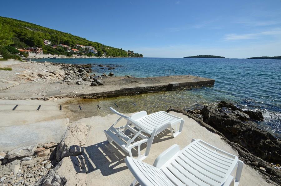 korcula-apartments-prizba-pensa-beach-09-2015-pic-03