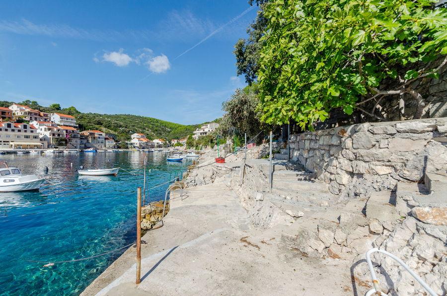 Korčula-Apartmani-Zavalatica-Juraj-plaža-10-2019-pic-04