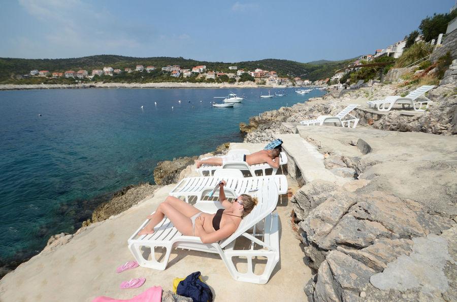 korcula-apartments-zavalatica-ranko-beach-04