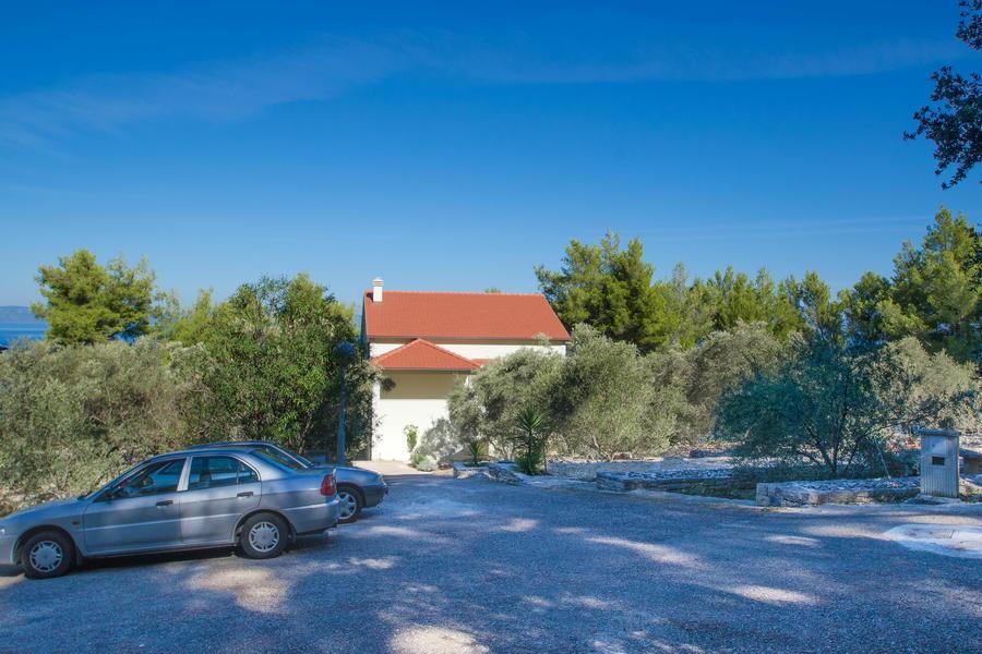 Korcula-Crnja-luka-Apartment-Danijela-Olive-Grove-Garden-10-2017-pic-2