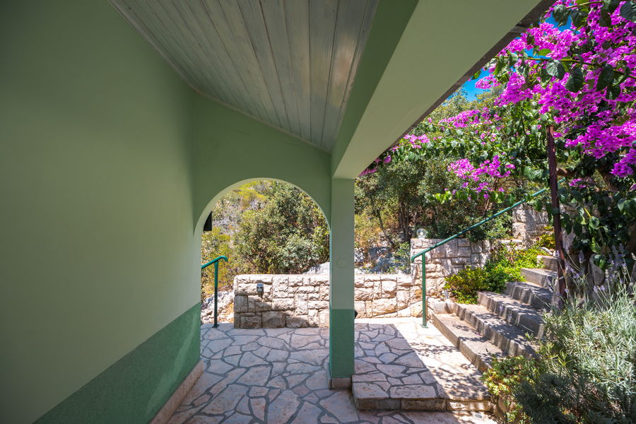 korcula-holiday-house-grscica-melani-courtyard-grill-08-2020-pic-05