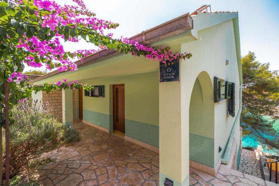 korcula-holiday-house-grscica-melani-courtyard-grill-08-2020-pic-06