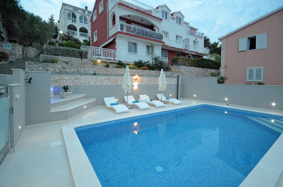 Korcula-Prigradica-Apartments-Kapor-House-Swimming-pool-05