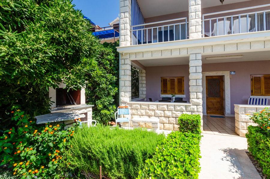 Korčula-prizba-Apartma-petar-hiša-06-2019-pic-01