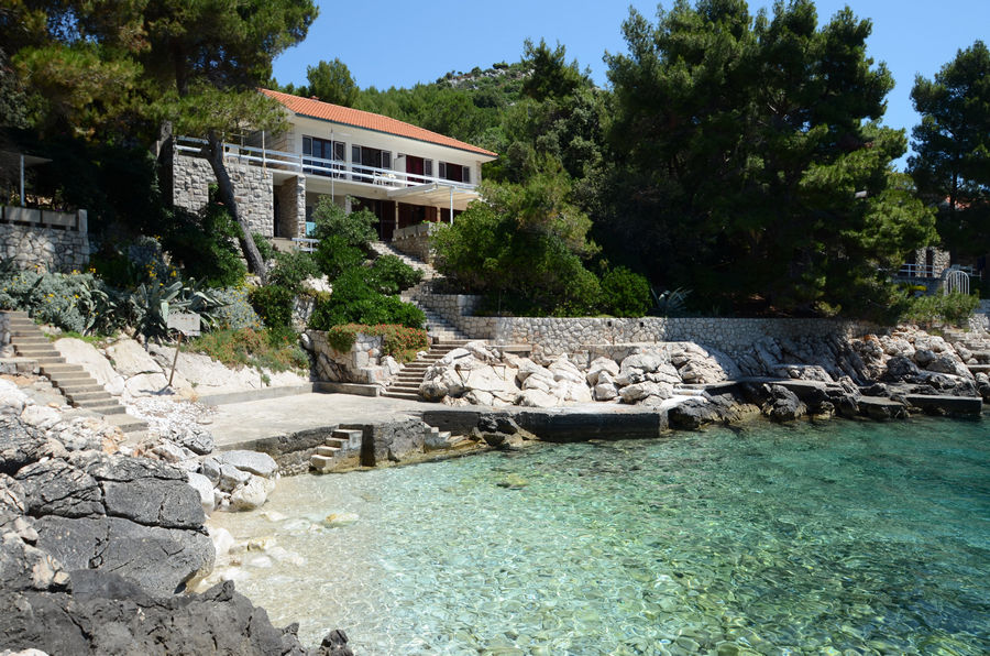 korcula-prizba-apartments-lukric-house-00