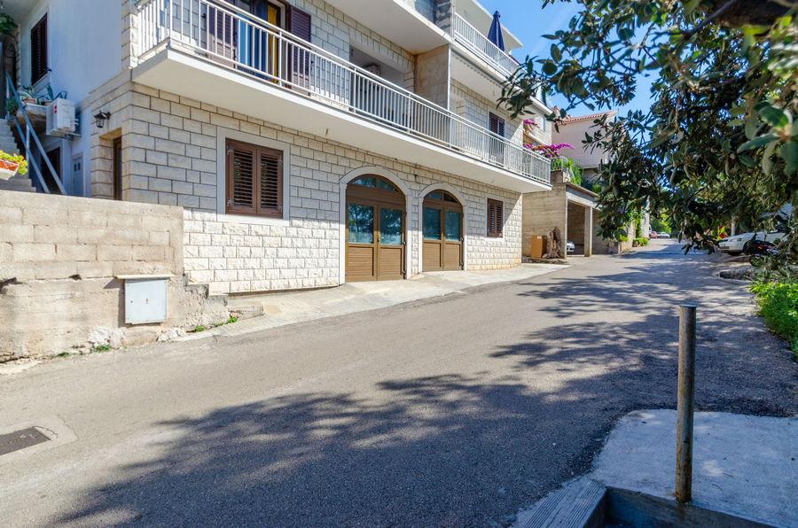 Korčula-Zavalatica-apartmaji-Juraj-hiša-10-2019-pic-01
