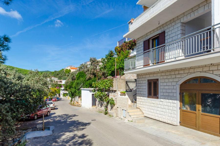 Korčula-Zavalatica-apartmaji-Juraj-hiša-10-2019-pic-02