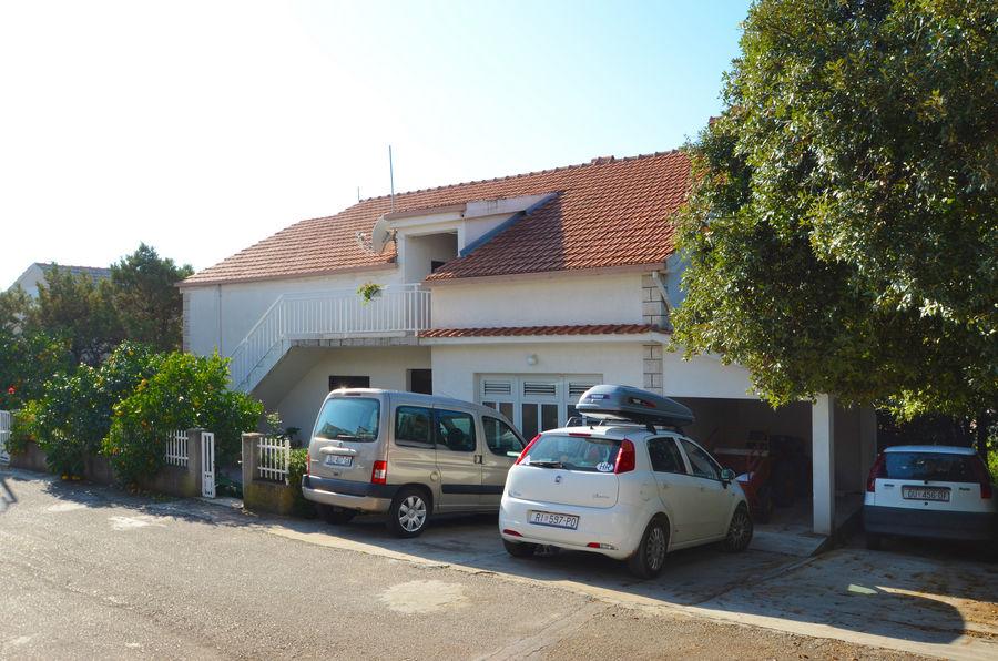 Korčula-zavalatica-Apartmani-marijana-kuća-02