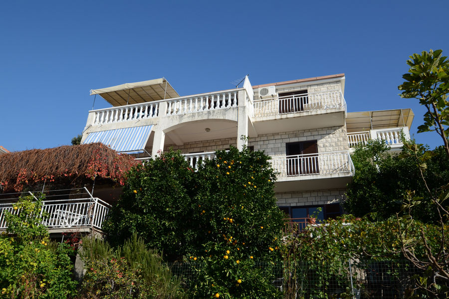 korcula-zavalatica-apartments-marijana-house-04